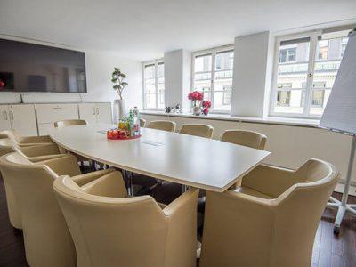 2_satellite_office_Muenchen_Ludwigstrasse_Konferenzraum